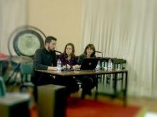 Aforo completo en la presentación del libro de Olimpia García en Sevilla